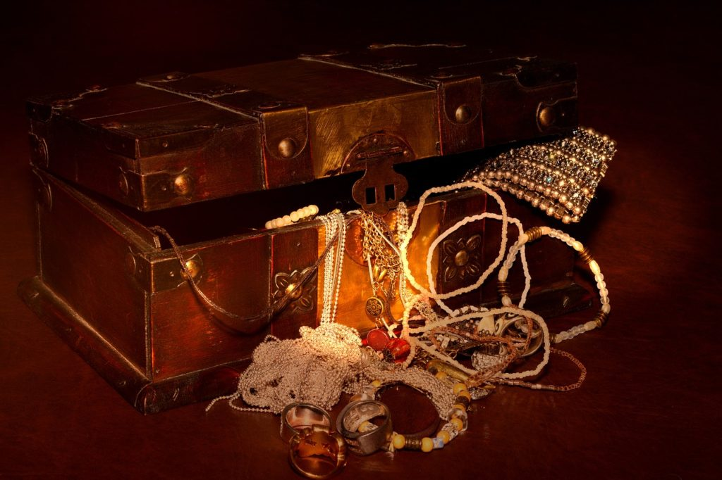 treasure-chest-619858_1280